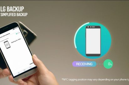 LG G5 transferring data to another smartphone using NFC technology
