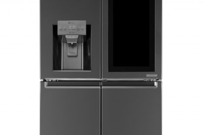LG InstaView™ refrigerator with its touch panel inactivated