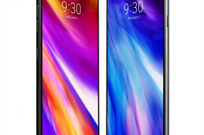 The front view of the two LG G7 ThinQ devices facing each other at an angle, with the left device's New Second Screen fully expanded for a bezel-less look while the device on the right has the notification bar completely blacked out