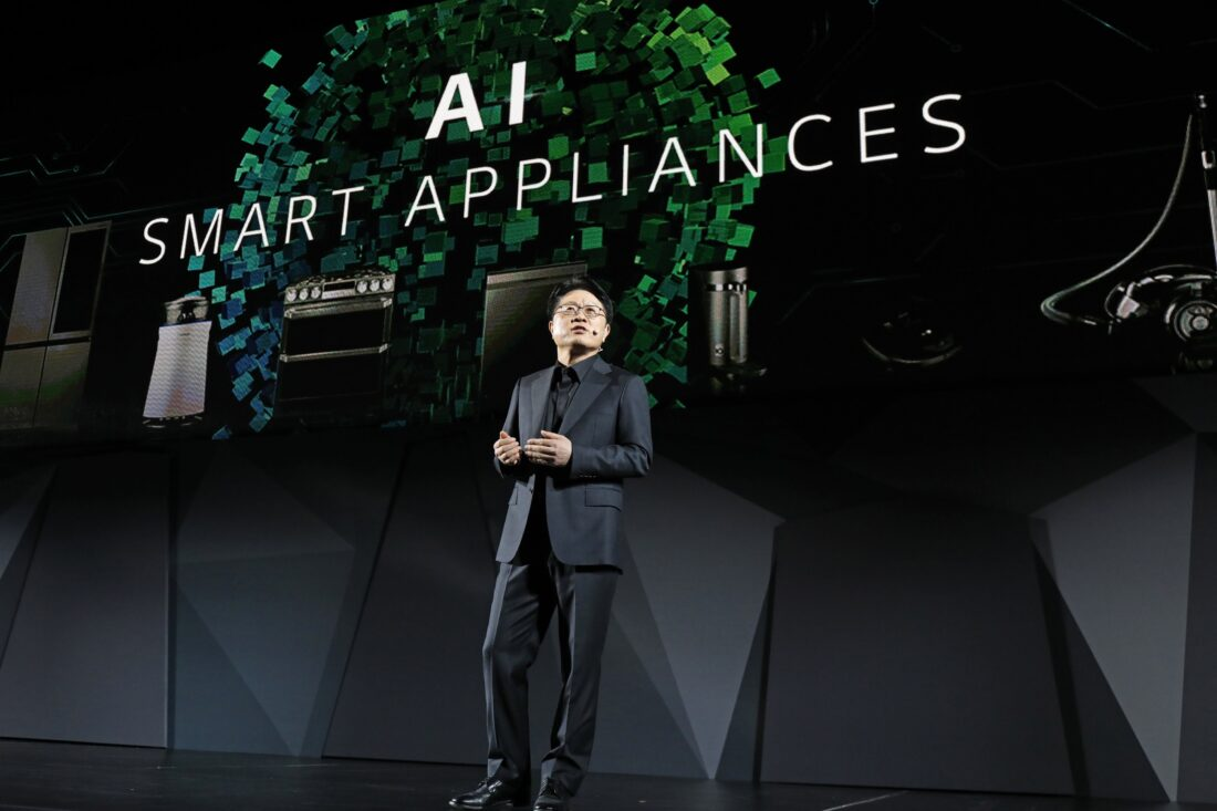 Ahn Seung-kwon, Chief Technology Officer of LG Electronics discusses the company's AI smart appliances during the LG Press Conference at CES 2017.