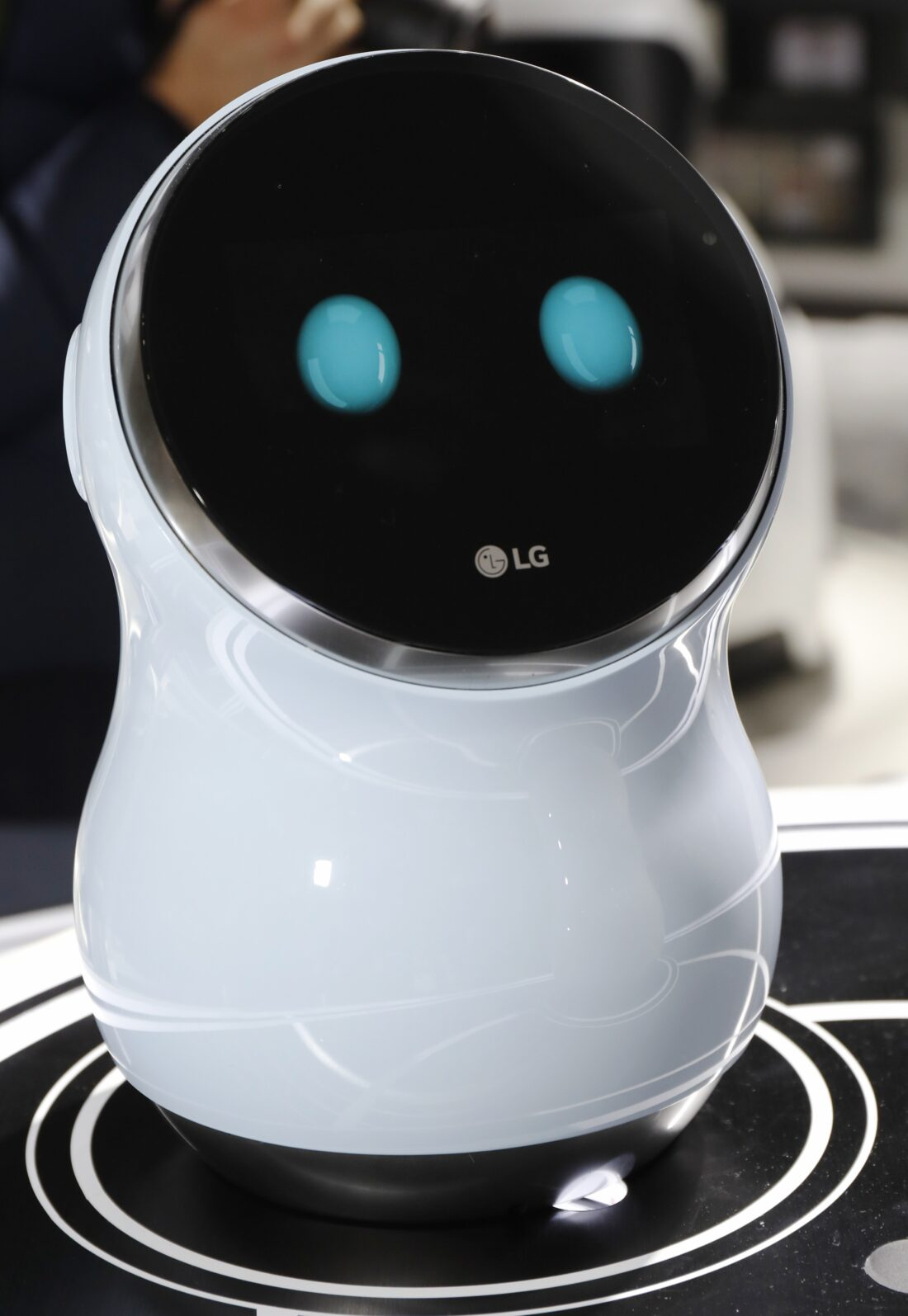 Close-up view of LG's CLOi Hub Robot on display at LG's CES 2017 booth