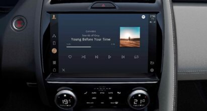 A closer look at the high-resolution touchscreen embedded with exquisite quality GUI and UX, which is found inside many of Jaguar Land Rover's vehicles